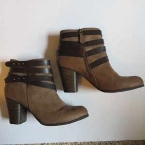 Madden Girl 10M Deluxxxe ankle strap boots